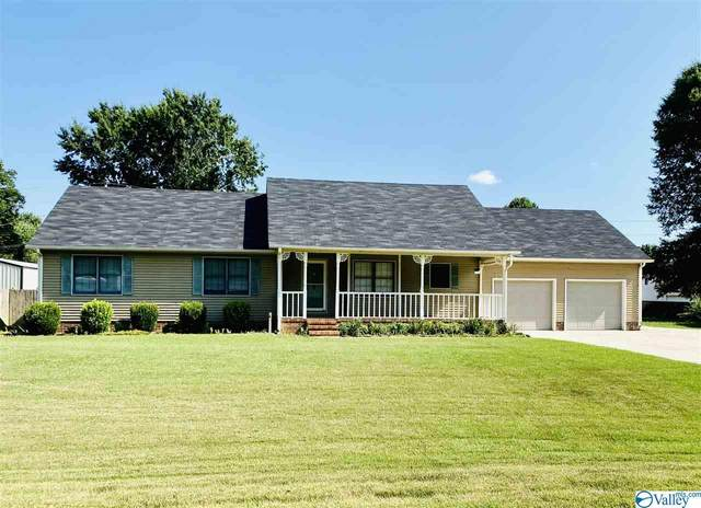 210 Cascade Drive, Athens, AL 35611 (MLS #1149844) :: Revolved Realty Madison