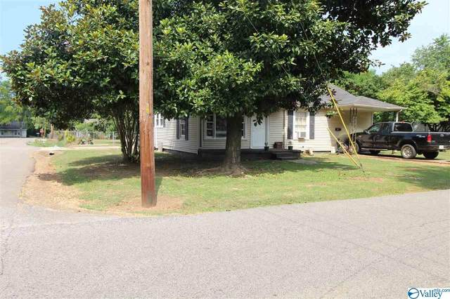 701 Sanders Street, Athens, AL 35611 (MLS #1149887) :: Revolved Realty Madison