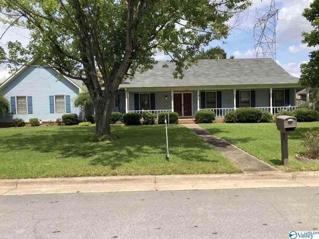 2224 Carleton Drive, Decatur, AL 35603 (MLS #1150562) :: Revolved Realty Madison