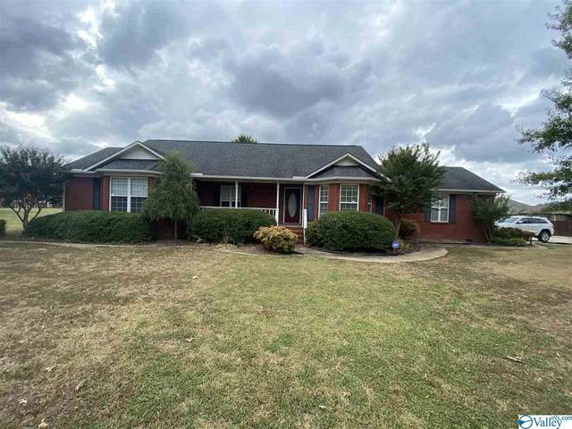 17385 Lucas Ferry Road, Athens, AL 35611 (MLS #1151096) :: Rebecca Lowrey Group