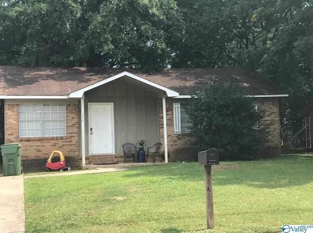 3236 Uvalde Lane, Huntsville, AL 35810 (MLS #1152727) :: MarMac Real Estate