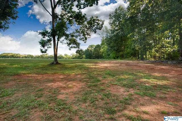 2 Lakeside Estates Road, Athens, AL 35614 (MLS #1152986) :: Coldwell Banker of the Valley