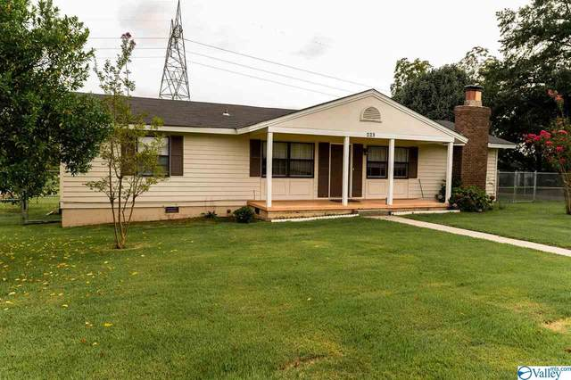 223 Clearview Street, Decatur, AL 35601 (MLS #1153114) :: Revolved Realty Madison