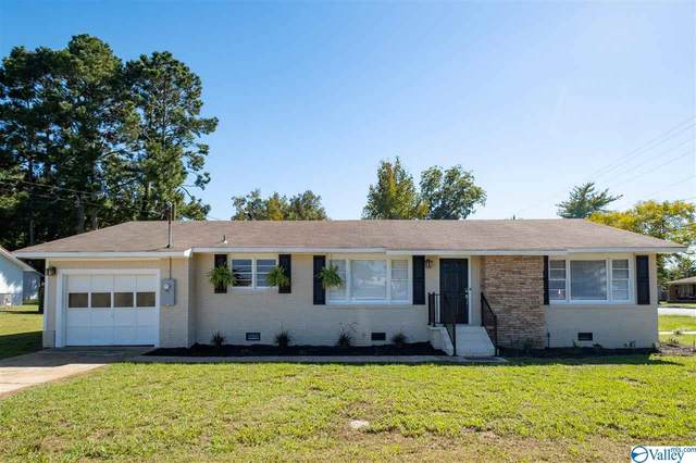 232 Main Street, Moulton, AL 35650 (MLS #1154117) :: MarMac Real Estate