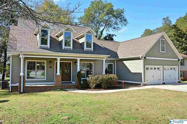 317 Rosemont Road, Huntsville, AL 35803 (MLS #1154597) :: LocAL Realty