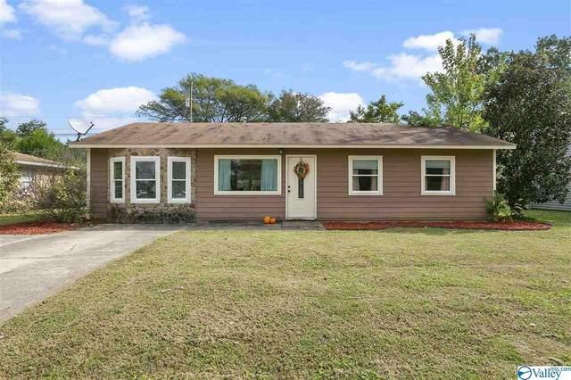 2110 Fernbrook Drive, Huntsville, AL 35811 (MLS #1154842) :: Amanda Howard Sotheby's International Realty