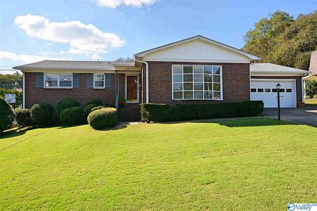 1925 Rosalie Ridge Drive, Huntsville, AL 35811 (MLS #1155410) :: Revolved Realty Madison