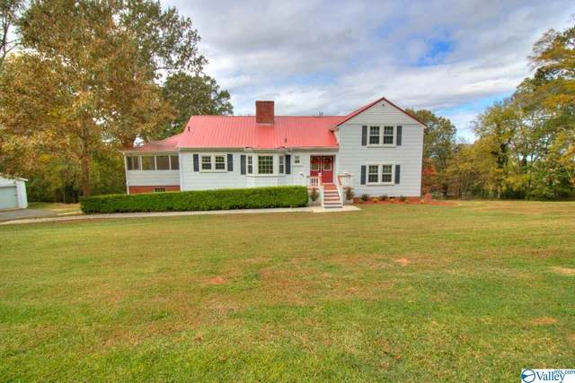 1308 Hillwood Drive, Guntersville, AL 35976 (MLS #1156779) :: Coldwell Banker of the Valley