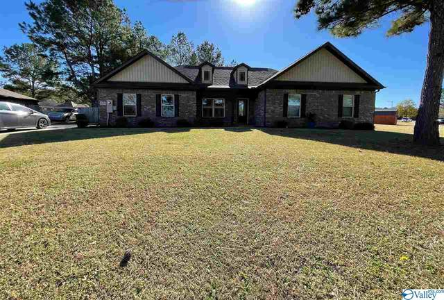 824 Bell Factory Road, Huntsville, AL 35811 (MLS #1157123) :: LocAL Realty
