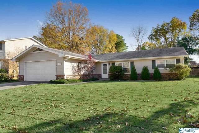 11213 Hillwood Drive, Huntsville, AL 35803 (MLS #1157220) :: RE/MAX Unlimited