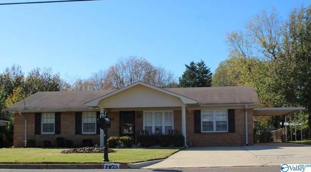 2025 Reuben Drive, Huntsville, AL 35811 (MLS #1157281) :: MarMac Real Estate