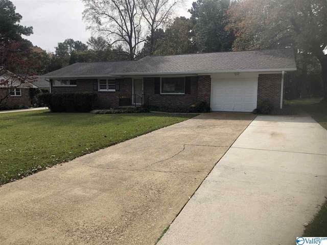 2403 Crestview Drive, Decatur, AL 35601 (MLS #1157361) :: Southern Shade Realty