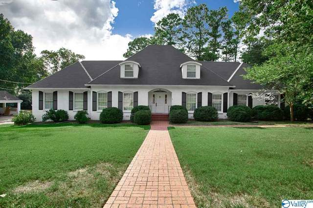 2205 Georgian Drive, Huntsville, AL 35801 (MLS #1157610) :: Southern Shade Realty