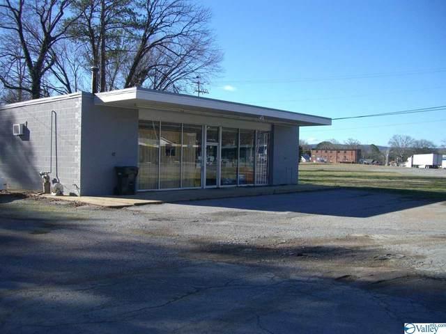 807 East Willow Street, Scottsboro, AL 35768 (MLS #1771195) :: LocAL Realty