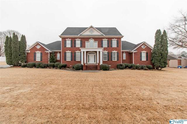 319 Ole Carriage Drive, Athens, AL 35613 (MLS #1771488) :: MarMac Real Estate