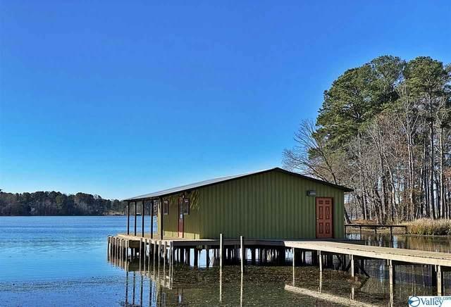 724 Campground Circle, Scottsboro, AL 35769 (MLS #1771573) :: Southern Shade Realty