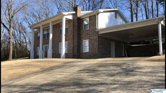 818 Meadowbrook Drive, Scottsboro, AL 35768 (MLS #1772074) :: Southern Shade Realty