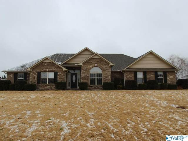 13545 Summerfield Drive, Athens, AL 35613 (MLS #1772560) :: Southern Shade Realty