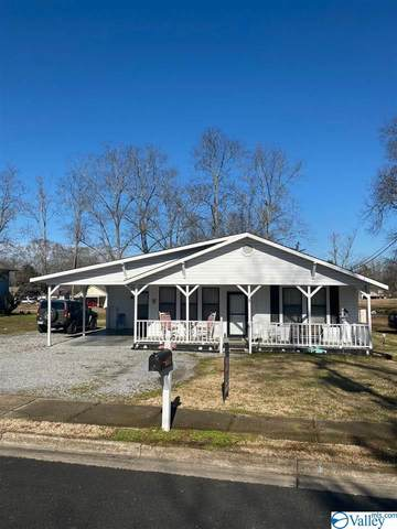 204 Sparks Avenue, Boaz, AL 35957 (MLS #1772678) :: LocAL Realty