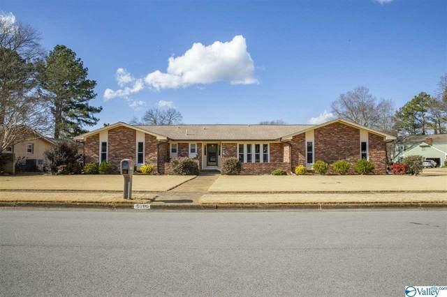 10200 Plantation Drive, Huntsville, AL 35803 (MLS #1772815) :: Rebecca Lowrey Group