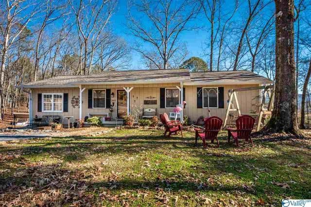 307 Barry Street, Fort Payne, AL 35968 (MLS #1772874) :: RE/MAX Distinctive | Lowrey Team
