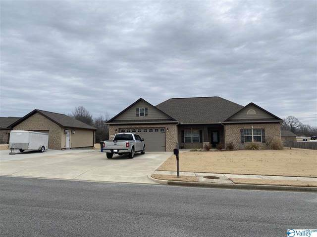 107 Lewis Vann Drive, Hazel Green, AL 35750 (MLS #1772992) :: Rebecca Lowrey Group