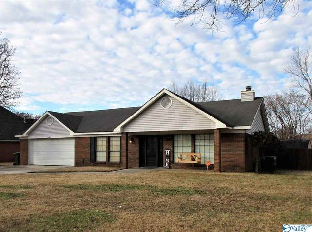 2322 Duncansby Drive, Decatur, AL 35603 (MLS #1773297) :: MarMac Real Estate