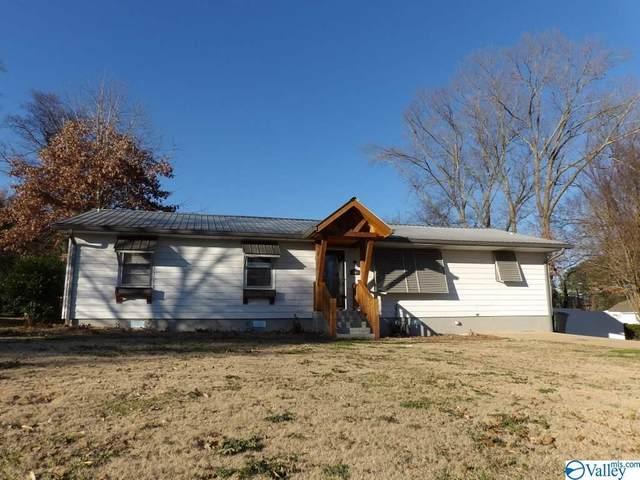 2404 Meadow Wood Circle, Guntersville, AL 35976 (MLS #1773979) :: Dream Big Home Team | Keller Williams