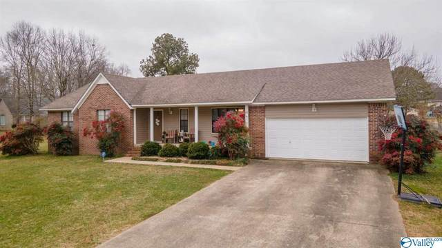 1006 Clover Drive, Fort Payne, AL 35967 (MLS #1774263) :: Rebecca Lowrey Group