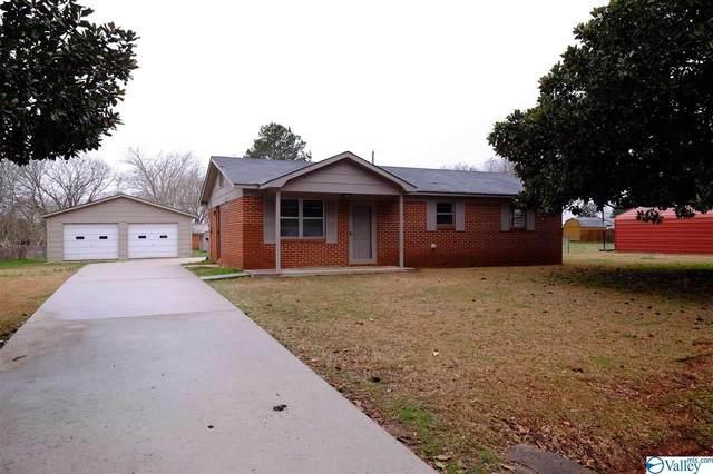 203 Livingston Lane, Moulton, AL 35650 (MLS #1775616) :: Rebecca Lowrey Group