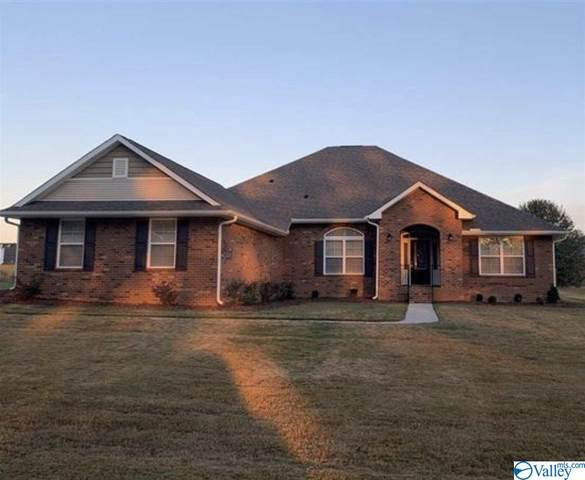 211 Summit Lakes Drive, Athens, AL 35613 (MLS #1775684) :: Legend Realty