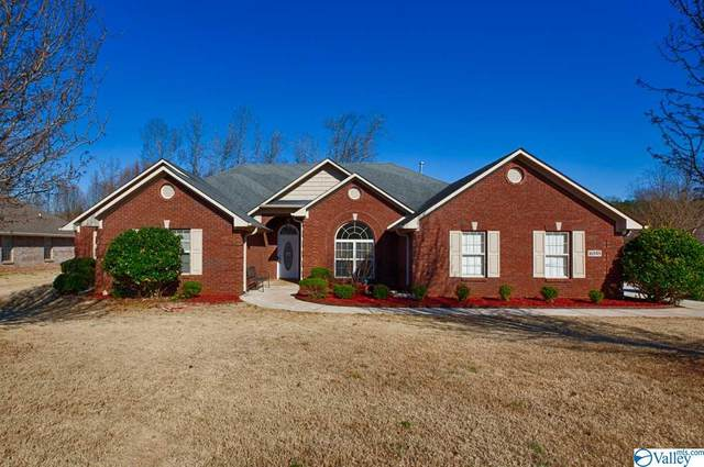 16848 Bellewood Drive, Athens, AL 35613 (MLS #1775959) :: MarMac Real Estate
