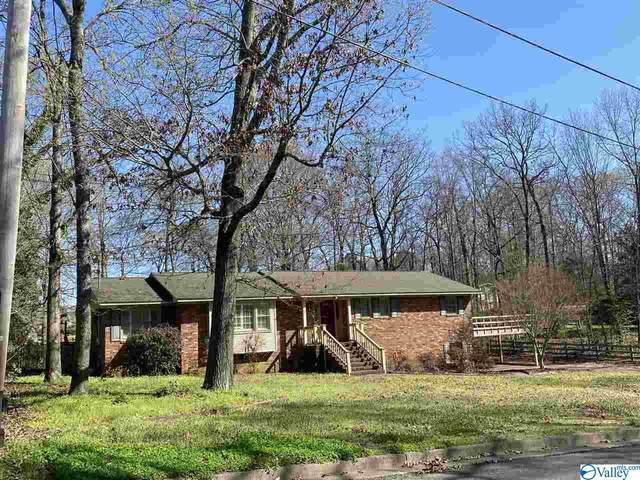 1702 Brandon Street, Scottsboro, AL 35769 (MLS #1777106) :: RE/MAX Unlimited