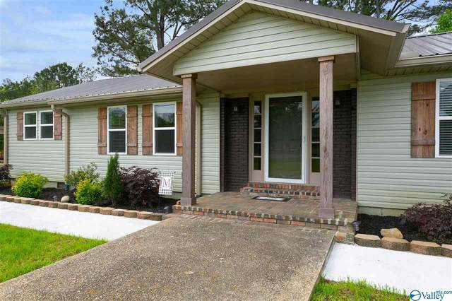 1717 W Market Street, Athens, AL 35611 (MLS #1777704) :: RE/MAX Unlimited