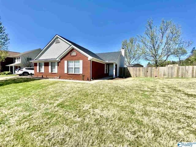 2408 Quail Ridge Lane, Huntsville, AL 35803 (MLS #1777911) :: Rebecca Lowrey Group