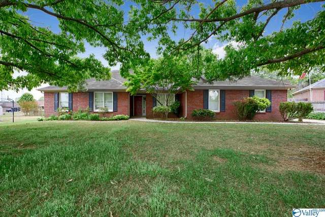 208 NW Parrett Court, Huntsville, AL 35810 (MLS #1779517) :: MarMac Real Estate