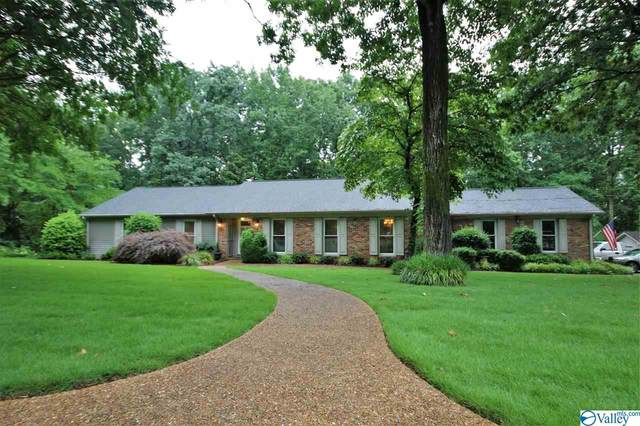 3806 High Point Drive, Decatur, AL 35603 (MLS #1780750) :: Green Real Estate