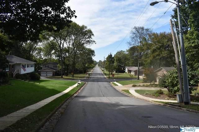 2402 Oakwood Av NE Poplar Point, Huntsville, AL 35811 (MLS #1780987) :: Southern Shade Realty