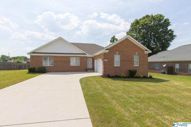 102 Fawn Forest Drive, New Market, AL 35761 (MLS #1781934) :: Green Real Estate