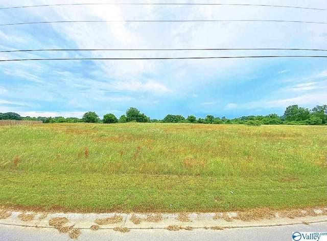 56 Grande Drive, Albertville, AL 35950 (MLS #1782738) :: Amanda Howard Sotheby's International Realty