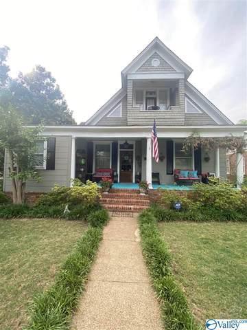 409 Oak Street, Decatur, AL 35601 (MLS #1782882) :: LocAL Realty