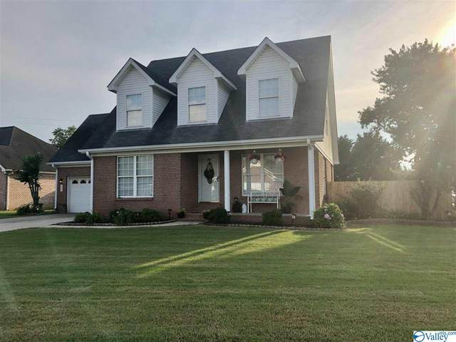 1401 Lake Pointe Drive, Decatur, AL 35603 (MLS #1783401) :: Coldwell Banker of the Valley