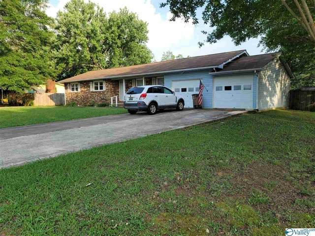 323 Robinson Street, Decatur, AL 35601 (MLS #1783411) :: Southern Shade Realty