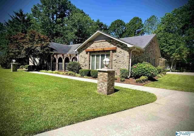 2305 Fairway Circle, Decatur, AL 35601 (MLS #1783544) :: Southern Shade Realty