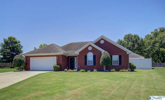 1631 Lake Manor Drive, Decatur, AL 35603 (MLS #1783665) :: Coldwell Banker of the Valley