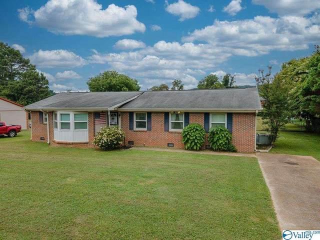 135 Cha-La-Kee Road, Guntersville, AL 35976 (MLS #1784748) :: MarMac Real Estate