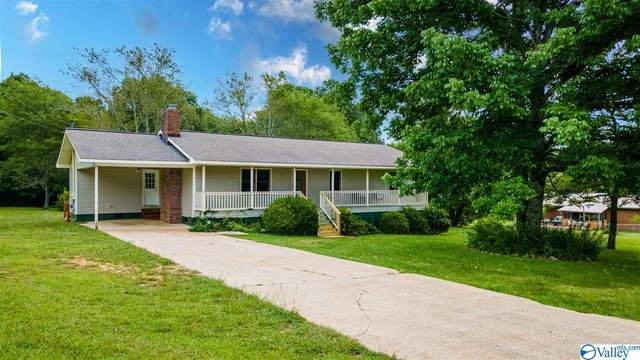 1303 Eastview Blvd, Fort Payne, AL 35967 (MLS #1785106) :: MarMac Real Estate