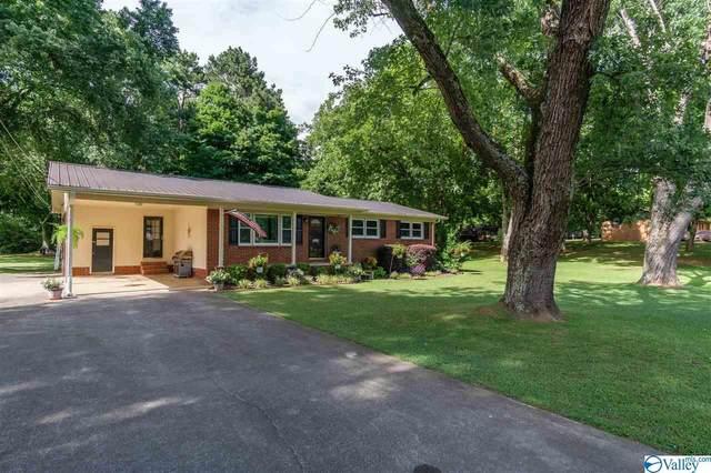 2011 Cunningham Street, Scottsboro, AL 35769 (MLS #1785384) :: Green Real Estate