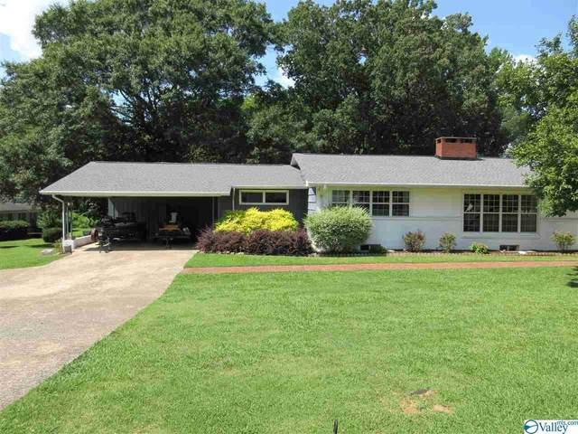 301 Lora Street, Scottsboro, AL 35768 (MLS #1786126) :: Rebecca Lowrey Group