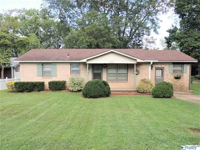 2218 E Arbor Drive, Huntsville, AL 35810 (MLS #1786740) :: Rebecca Lowrey Group